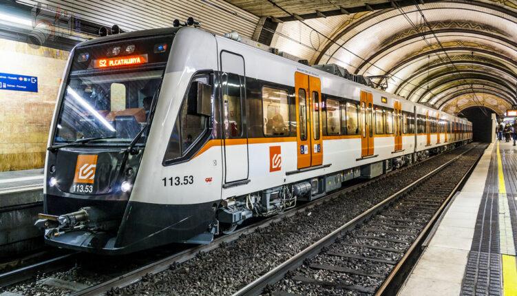 Tips for Navigating Public Transportation in Barcelona