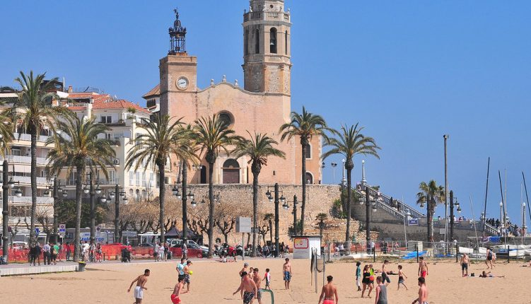 9 Beaches Near Barcelona that Make for Perfect Day Trips