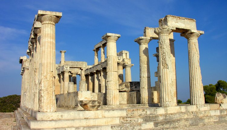 A Quick and Easy Guide to Enjoying Athens in the Summer