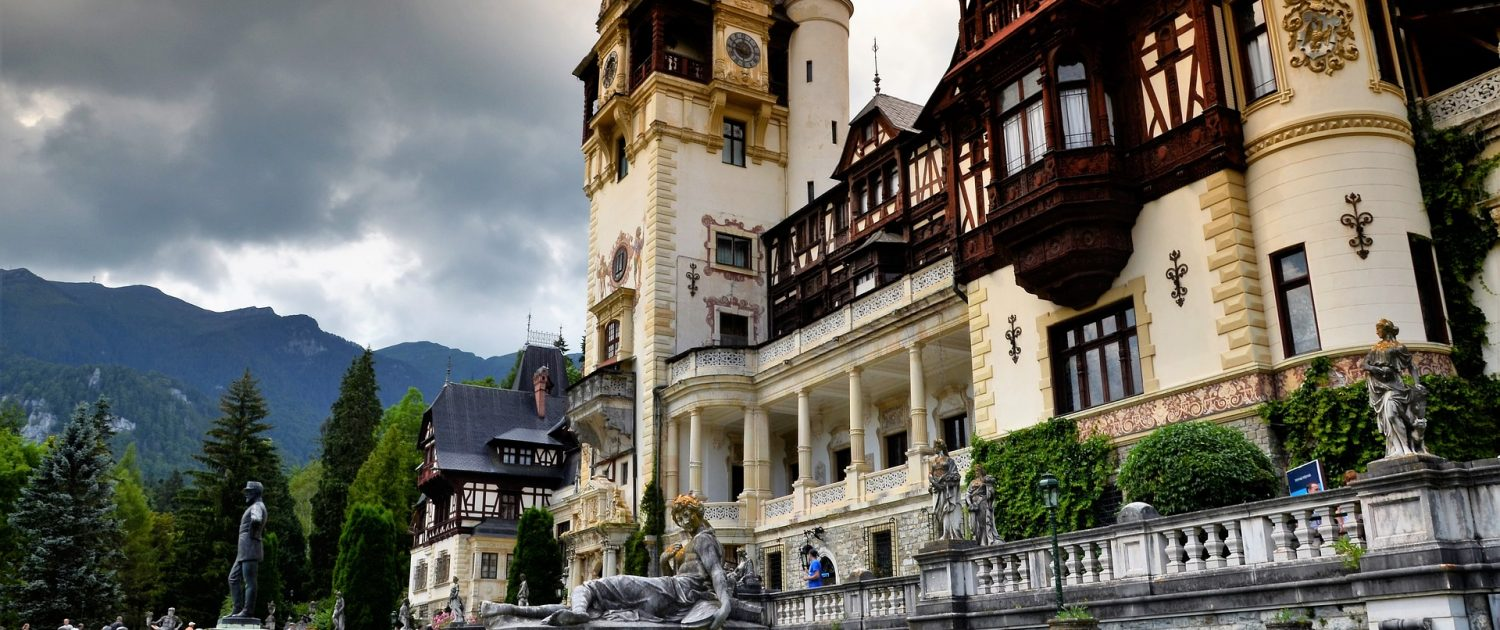Visiting the Peleș Castle is a top thing to do in our Sinaia travel guide!