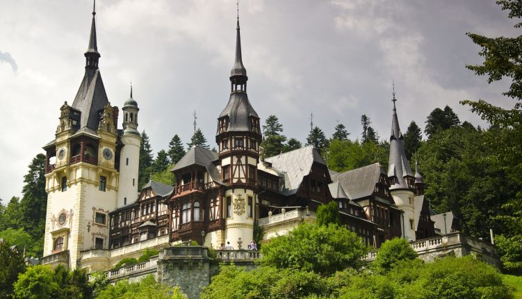 Olala Home's Sinaia Travel Guide: What You Need to Know
