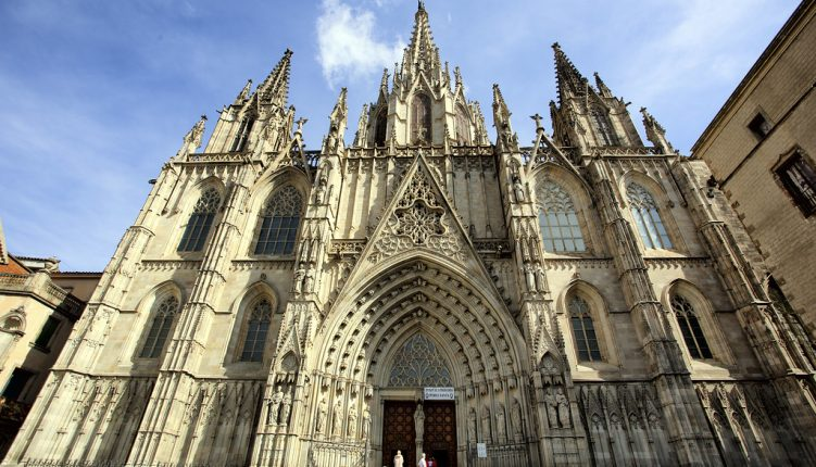 The Ultimate Checklist of Things to Do in the Gothic Quarter of Barcelona